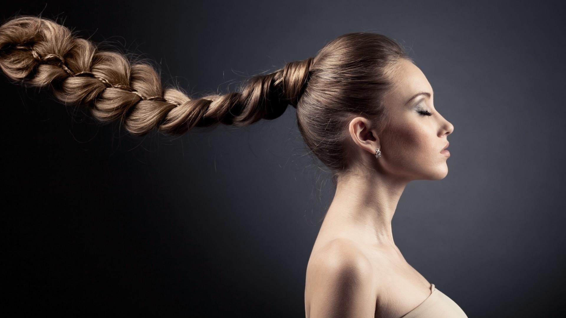 Как восстановить силу и здоровье волос после лета